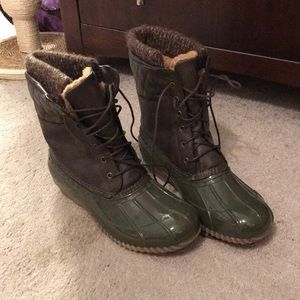 Green Just Fab boots